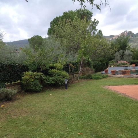 Manutenzione giardini agriturismo Valdambra Caiani Vivai Garden