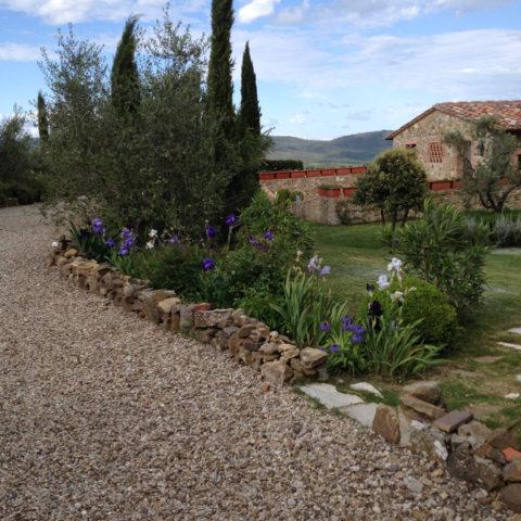 Manutenzione giardini aiuole Valdambra Caiani Vivai Garden