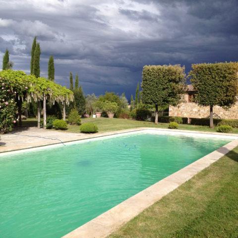 Manutenzione giardini con piscina privati Valdambra Caiani Vivai Garden
