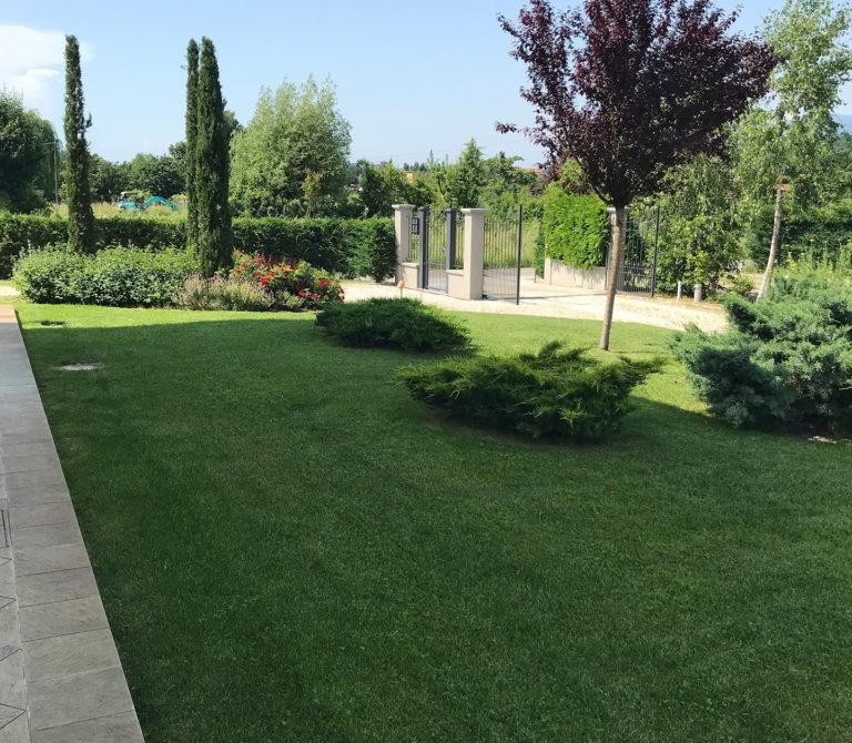Realizzazione aiuole, parchi e giardini